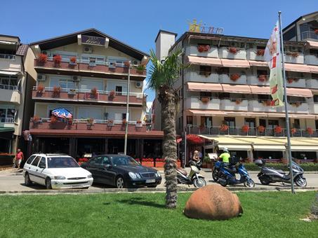 Villa Tino Pub Macedonë